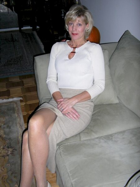 Adopte une femme cougar sexy vraiment salope