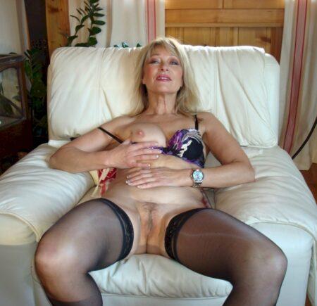 Cougar sexy recherche un coquin sur Vernon
