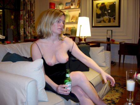 Femme adultère domina pour coquin docile