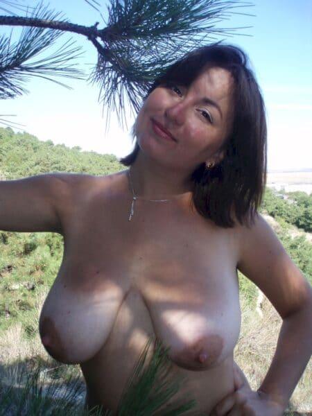 Femme adultère qui a une grosse envie