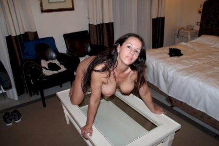 Pour jeune coquin chaud libre qui souhaite un plan sexe cougar