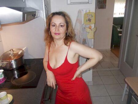 Pour libertin directif dispo qui désire une femme cougar sexy